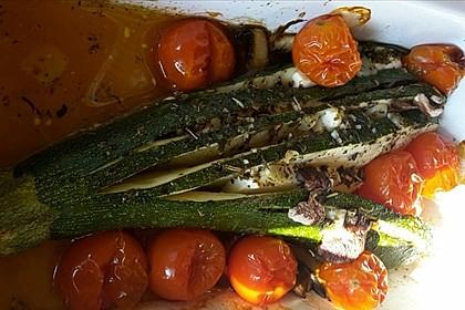 Zucchinifächer mit Feta 57