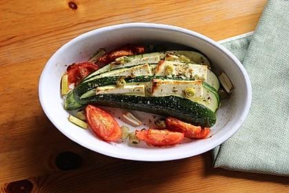 Zucchinifächer mit Feta 35