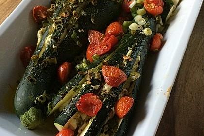 Zucchinifächer mit Feta 59