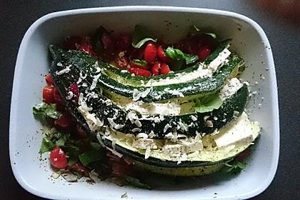 Zucchinifächer mit Feta 40