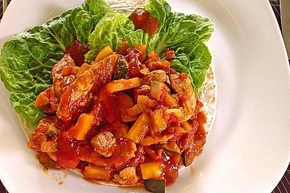 Wrap mit Hähnchen-Paprika-Zucchini-Füllung 4