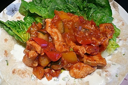 Wrap mit Hähnchen-Paprika-Zucchini-Füllung 2