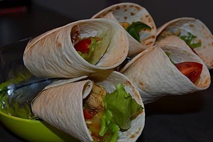Wrap mit Hähnchen-Paprika-Zucchini-Füllung 3