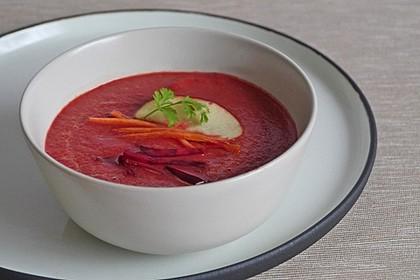 Exotische Rote-Bete-Suppe mit Apfel, Ingwer, Karotten und Frischkäse 1