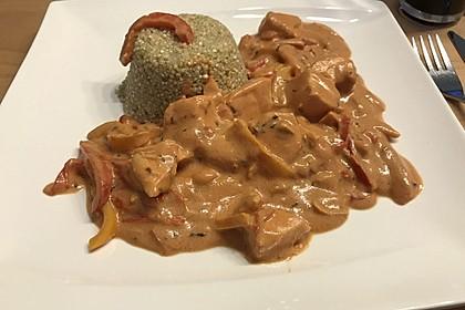Lachs-Quinoa-Pfanne mit Kokosmilch und Paprika 2