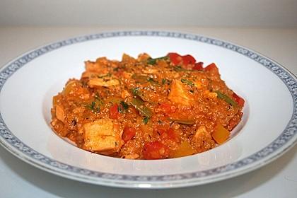 Lachs-Quinoa-Pfanne mit Kokosmilch und Paprika