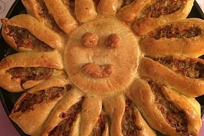 Sonnen-Pizza mit Hackfleisch 12