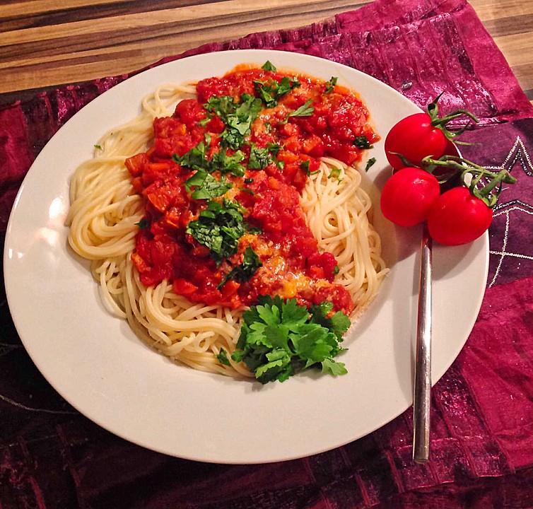 spaghetti mit gem se bolognese rezept mit bild. Black Bedroom Furniture Sets. Home Design Ideas