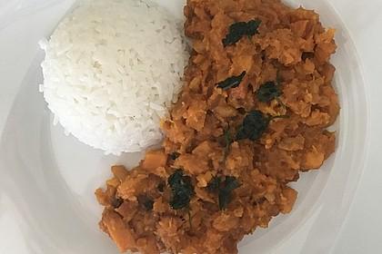 Süßkartoffel-Curry mit Kokos-Erdnuss-Soße 9