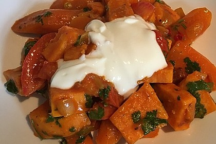 Süßkartoffel-Curry mit Kokos-Erdnuss-Soße 11