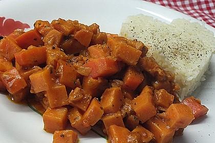 Süßkartoffel-Curry mit Kokos-Erdnuss-Soße 10