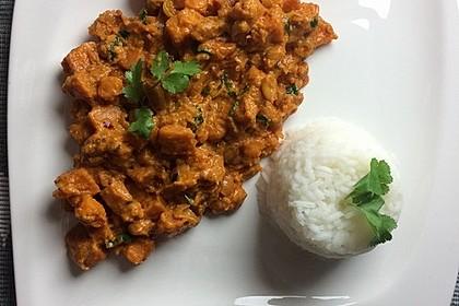 Süßkartoffel-Curry mit Kokos-Erdnuss-Soße 18