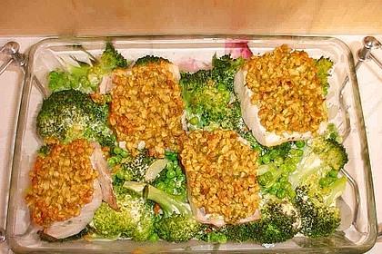 Fischfilet mit Haselnusskruste im Gemüsebett 1