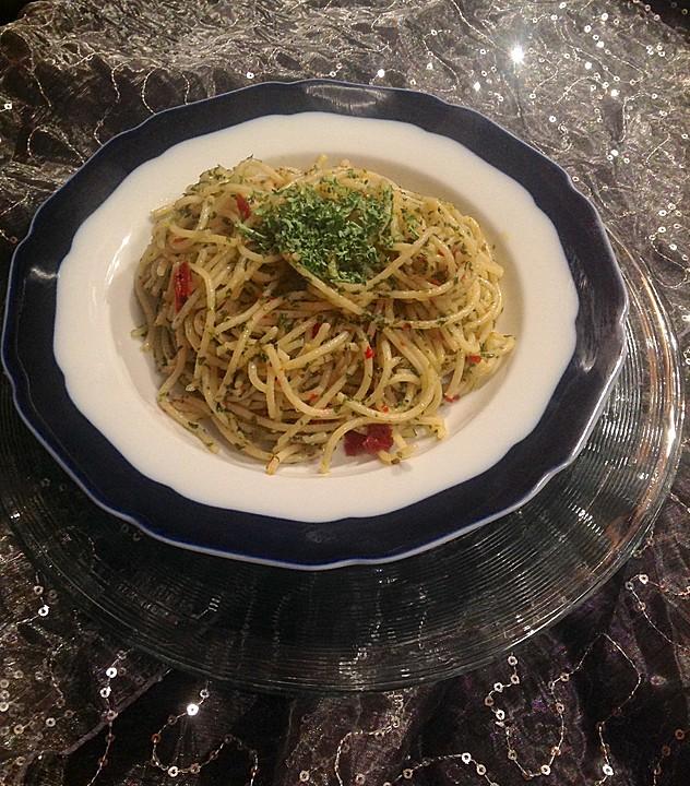 original italienische aioli spaghetti rezept mit bild. Black Bedroom Furniture Sets. Home Design Ideas
