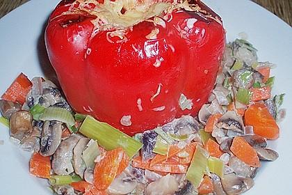 Chrissis gefüllte Paprika mit Polenta, Champignons, Lauch und Kräutercreme 1