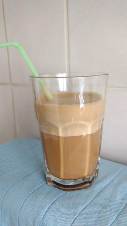 Frappe - griechischer Eiskaffee (Rezept mit Bild