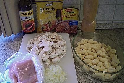 Auflauf mit Gnocchi, Pute und Champignons 18