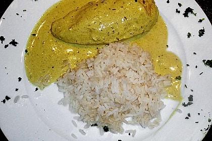 Hähnchenbrust in Curryrahmsauce