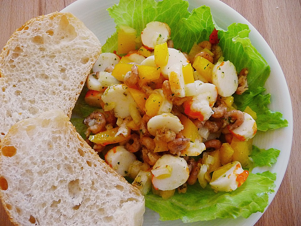 surimi salat mit paprika und krabben rezept mit bild. Black Bedroom Furniture Sets. Home Design Ideas