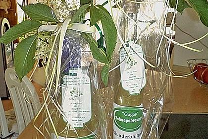 Erfrischender Holunderblütenlikör 5