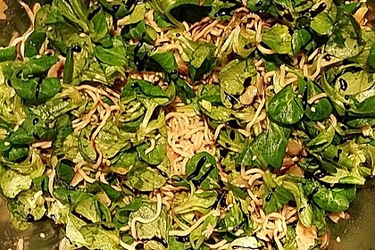 Feldsalat mit Mie Nudeln 1
