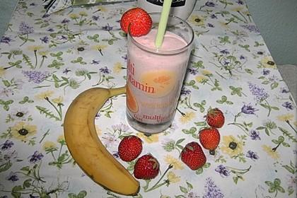 Erdbeer-Bananen-Smoothie mit Haferflocken und Joghurt 8