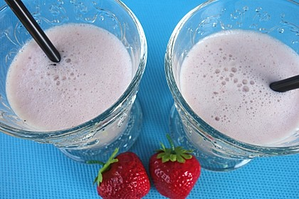 Erdbeer-Bananen-Smoothie mit Haferflocken und Joghurt 5
