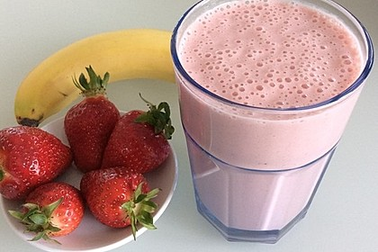 Erdbeer-Bananen-Smoothie mit Haferflocken und Joghurt 1