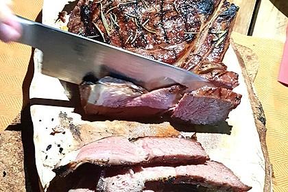 Tomahawk Steak Dry Aged vom Grill (Bild)