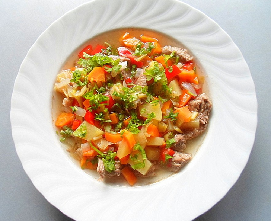 Leichte Sommerküche Mit Fleisch : Leichte rindfleisch suppe rezepte chefkoch.de