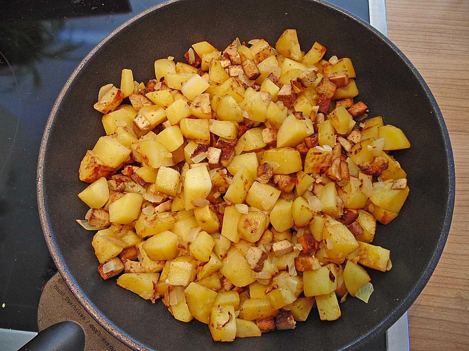 bratkartoffeln aus rohen kartoffeln mit r uchertofu und zwiebeln rezept mit bild. Black Bedroom Furniture Sets. Home Design Ideas