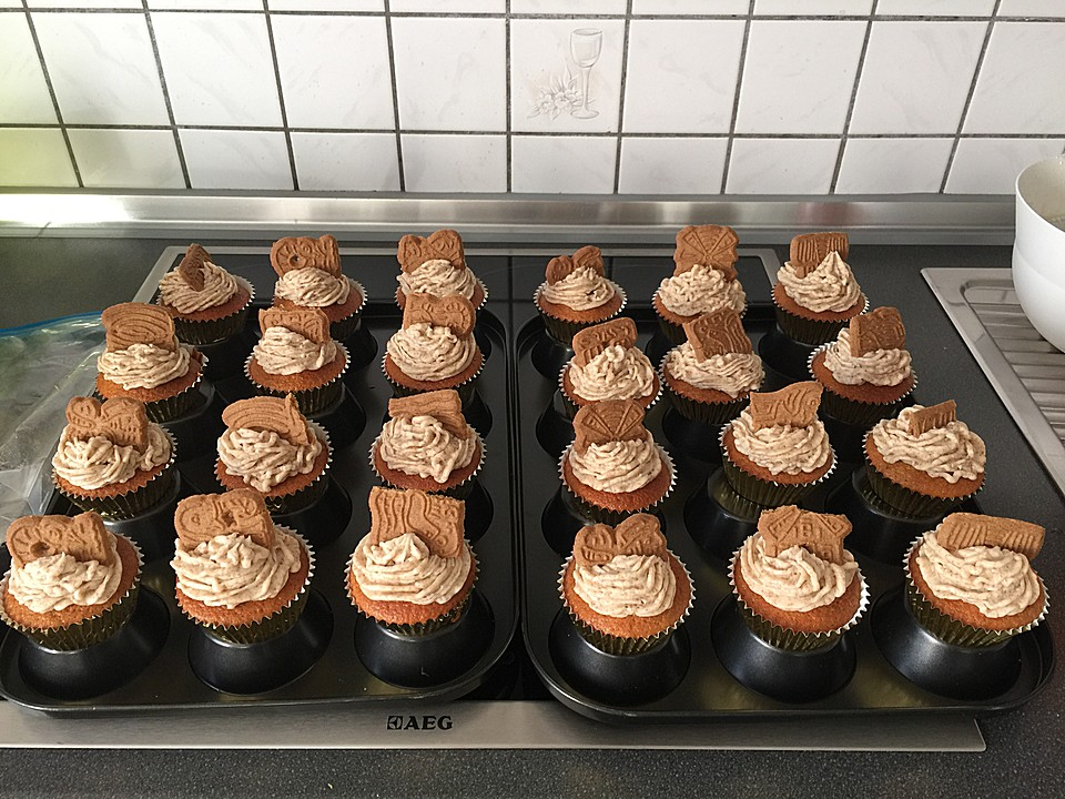 spekulatius cupcakes rezept mit bild von caanse. Black Bedroom Furniture Sets. Home Design Ideas