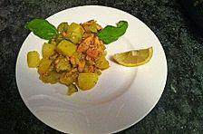 Kartoffel-Lachs-Salat mit Fenchel und Rosenkohl