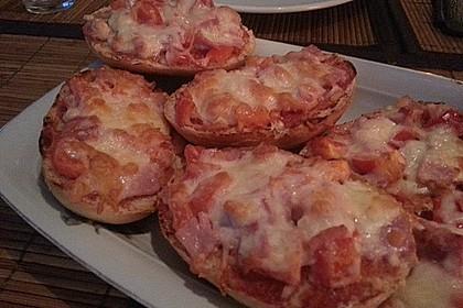 Lauras Pizzabrötchen mit Kochschinken und Paprika