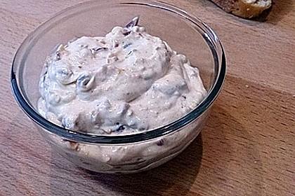 Pikanter Dattel-Frischkäse-Dip 3