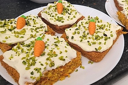 Karottenkuchen, Rüblikuchen oder Möhrenkuchen 8