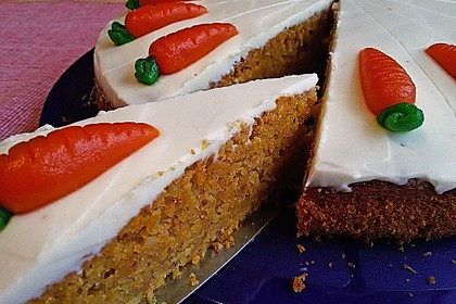 Karottenkuchen, Rüblikuchen oder Möhrenkuchen 10
