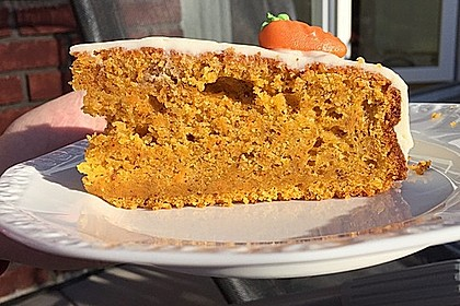 Karottenkuchen, Rüblikuchen oder Möhrenkuchen 250