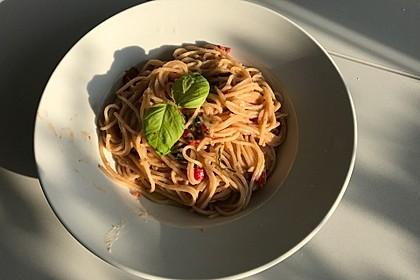 Spaghetti aglio, olio e peperoncino 16