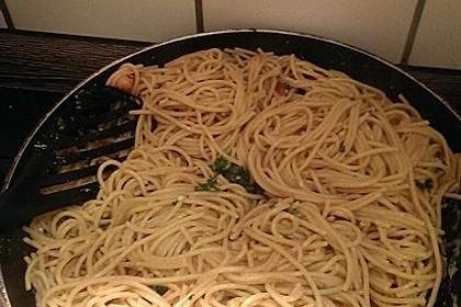Spaghetti aglio, olio e peperoncino 26