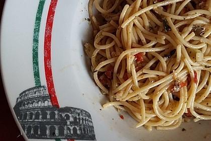 Spaghetti aglio, olio e peperoncino 19