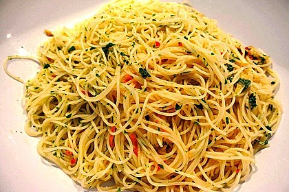 Spaghetti aglio, olio e peperoncino 1