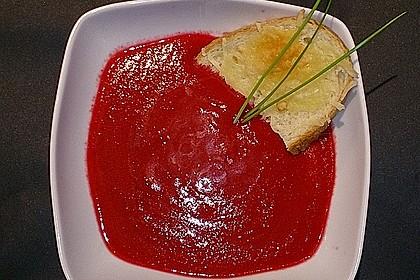 Rote Bete Suppe mit Cremefine