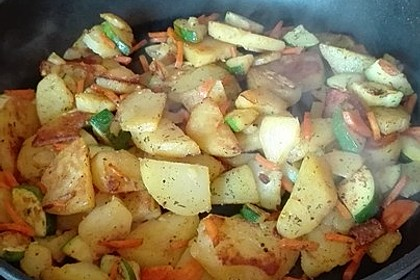 Kartoffel-Zucchini-Karotten-Pfanne 2