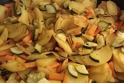 Kartoffel-Zucchini-Karotten-Pfanne