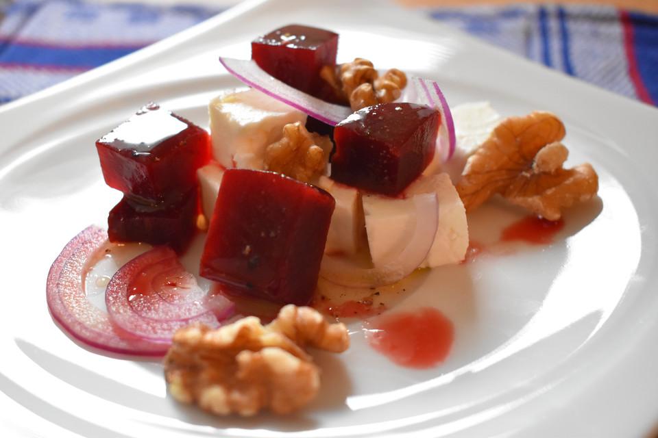 rote bete salat mit feta und waln ssen rezept mit bild. Black Bedroom Furniture Sets. Home Design Ideas