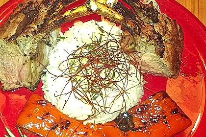 Lammracks vom Grill mit Zitronen-Rosmarin-Ingwer-Soße
