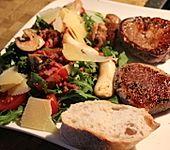 Rucola-Tomatensalat mit frischen Champignons