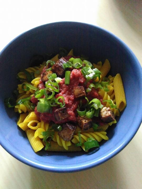 nudeln mit veganer rote bete sauce rezept mit bild. Black Bedroom Furniture Sets. Home Design Ideas
