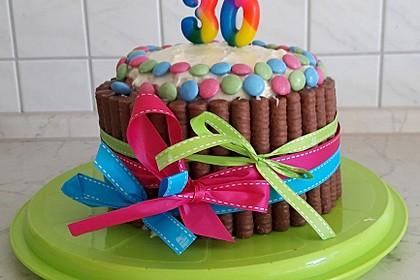 Bunter Kit-Kat-Geburtstagskuchen mit Frischkäsecreme 4
